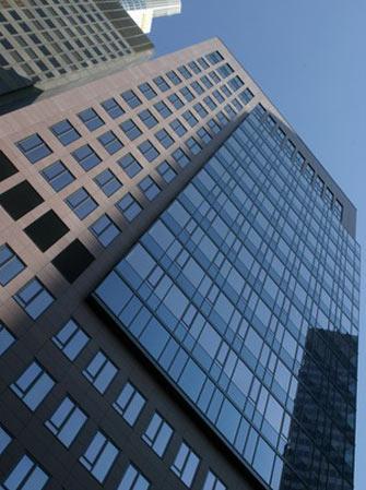 Hochhaus K26 Frankfurt - Straßenansicht