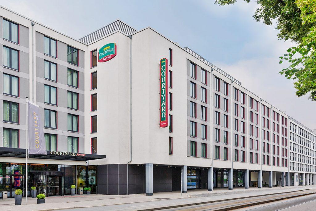 Marriott Hotel & Residence Inn München - Straßenansicht