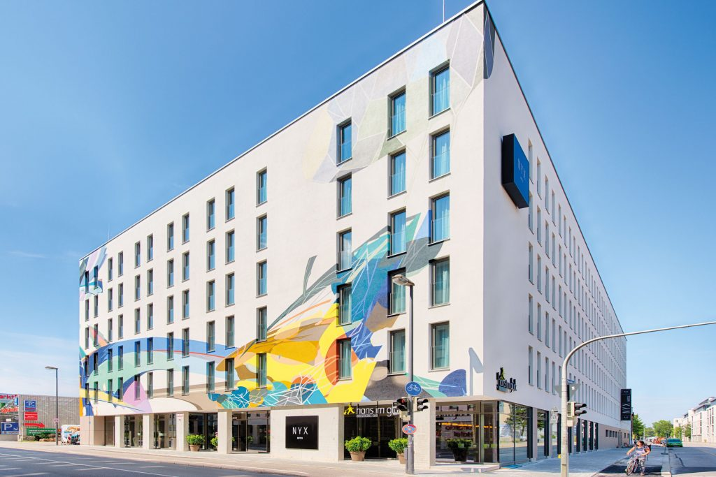 NYX Hotel München - Fassade