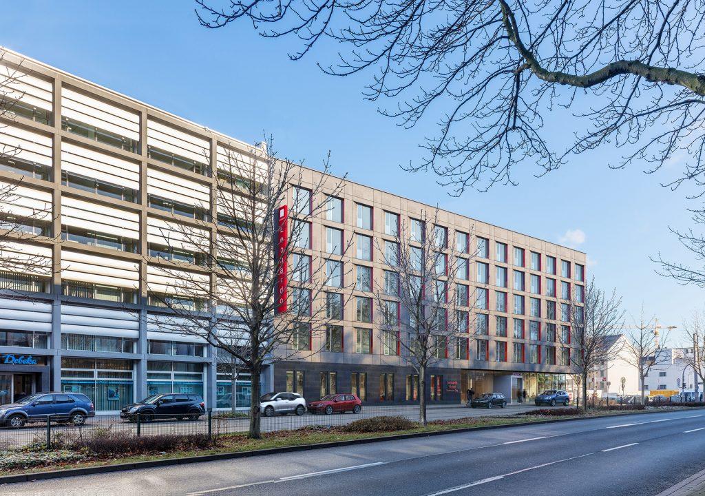 Leonardo Hotel Dortmund - Render Straßenansicht Tag