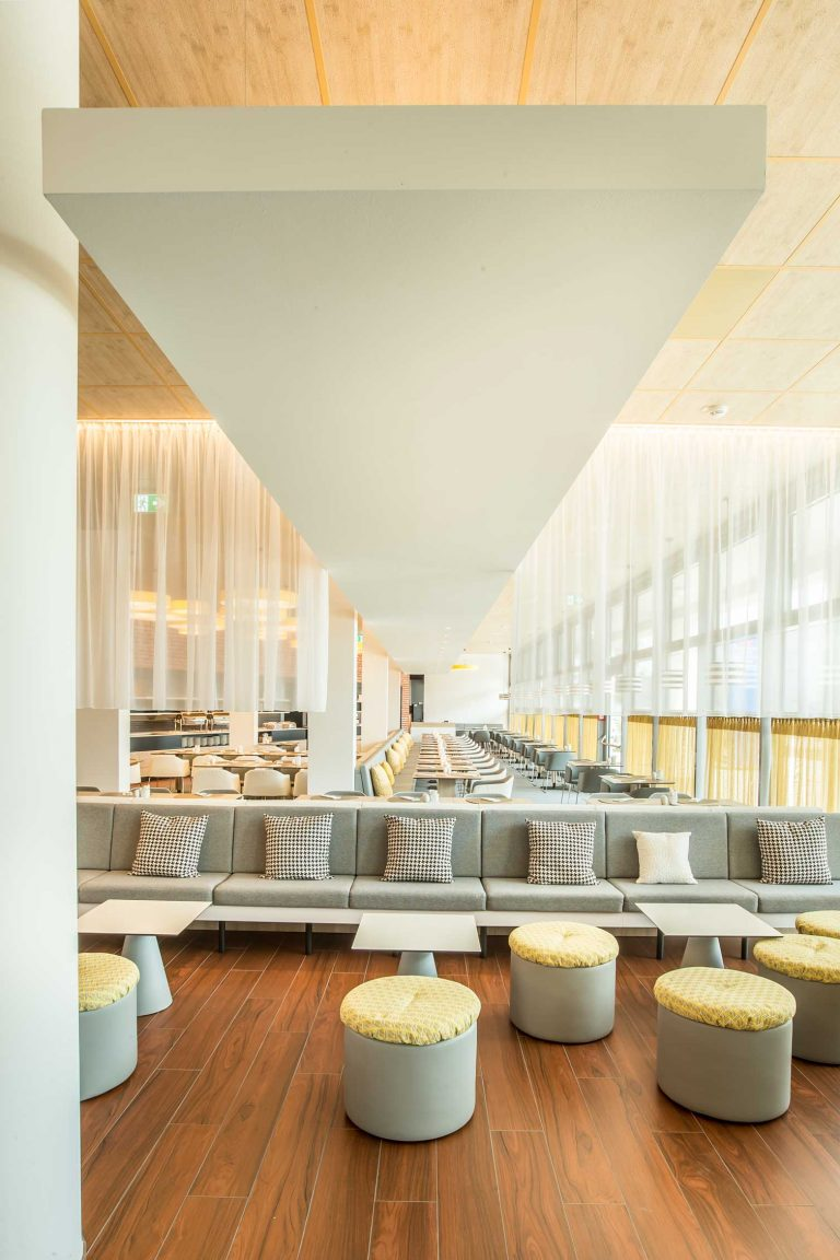 Hotel Comfort Mönchhof - Restaurant & Lounge