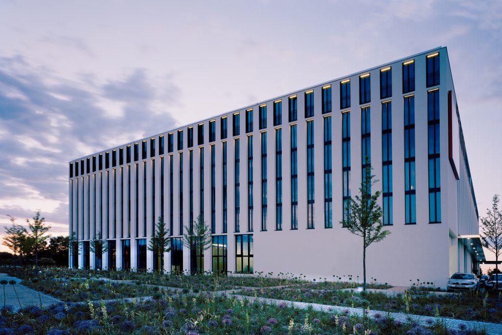 Leonardo Royal Hotel München - Fassade