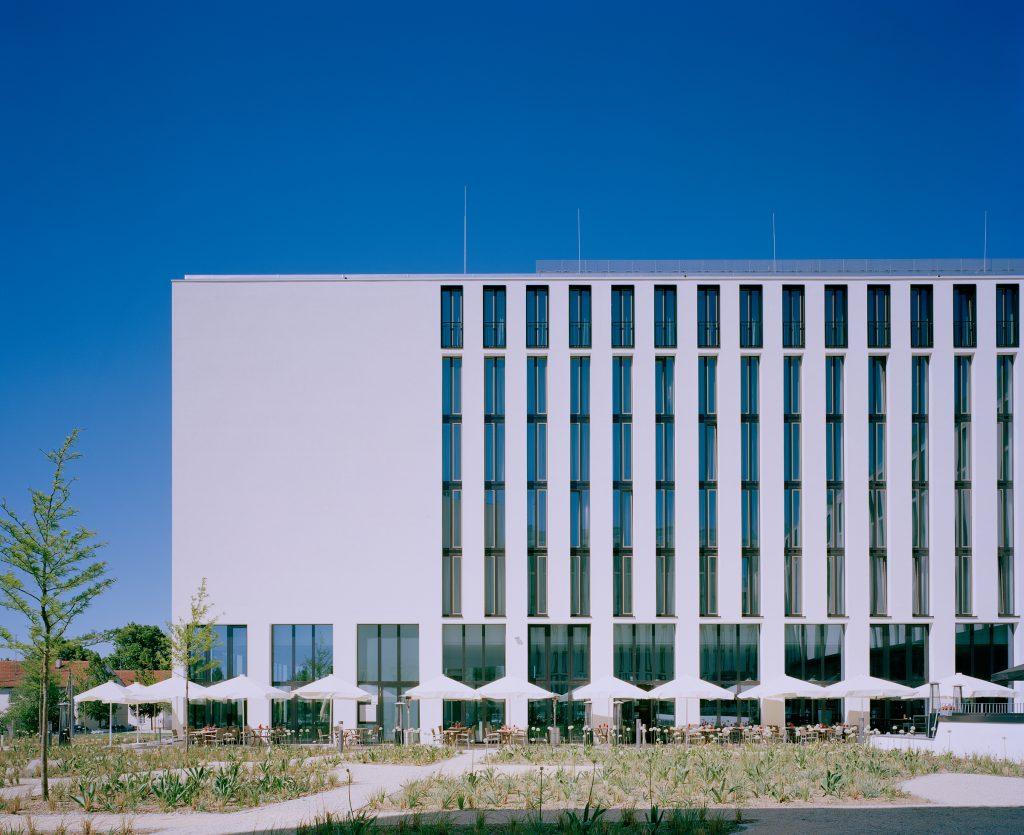 Leonardo Royal Hotel München - Fassadeansicht